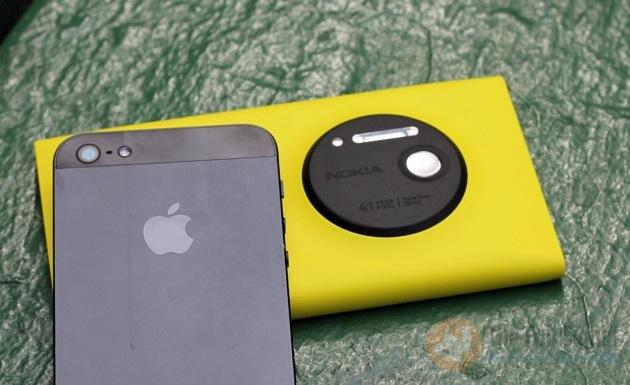 lumia 1020 vs_iphone_5