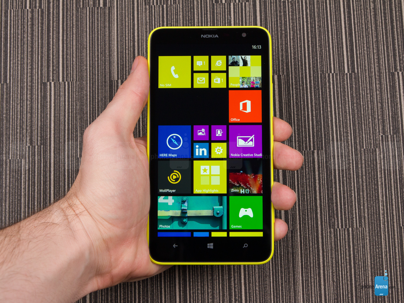 Nokia-Lumia-1320-Review-006